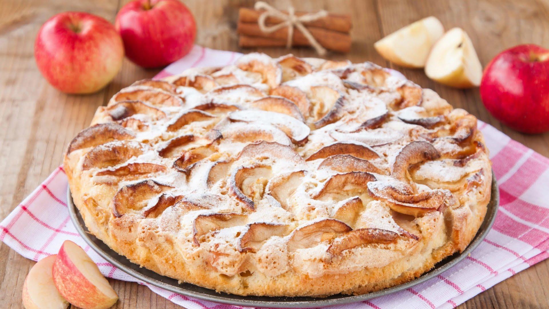 Приготовление шарлотки с яблоками в духовке простой рецепт