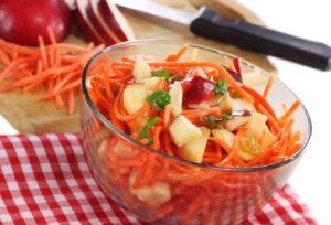 Яблочный салат с морковью