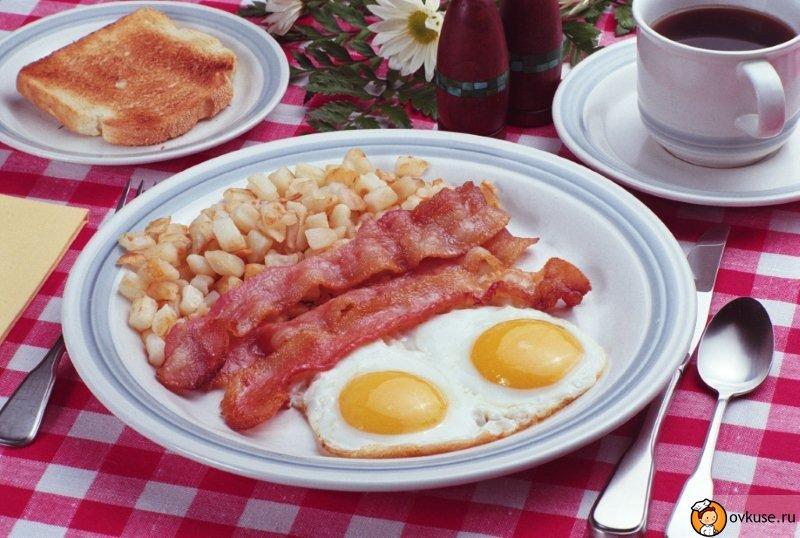 Калорийную пищу нужно съедать на завтрак и обед