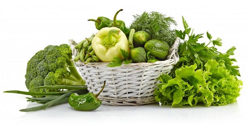 Зеленые овощи и зелень