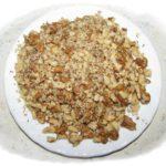 Измельченные и слегка обжаренные орехи