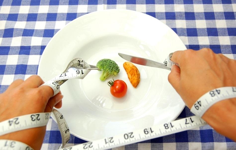 Низкокалорийная диета дает обратный эффект