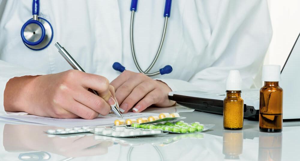 Согласовывать прием лекарств с лечащим врачем
